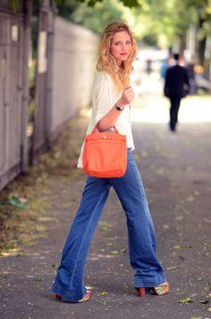 Chiara Ferragni - Jeffrey Campbell Shoes, Valextra Bag - Is someone getting the best of you? Love Fashion, Autumn Fashion, Womens Fashion, Fashion Trends, Fashion Tips, Orange Bag, Orange Handbag, Bohemian Mode, Wide Leg Jeans