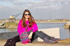 Fashionista Chloé blogger with a lovely outfit combined with a colorful Lola Nomada Wayuu Mochila