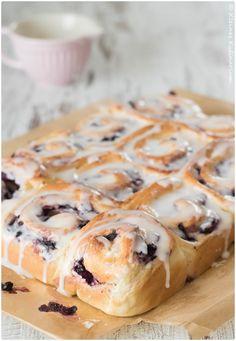 Blaubeer-Frischkäse-Schnecken oder neudeutsch: Blueberry-Cheesecake-Rolls
