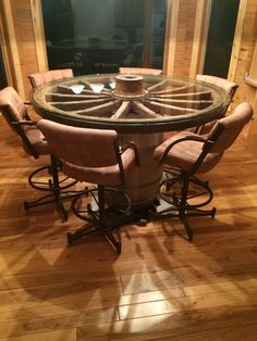 Nice Wagon Wheel Dining Table