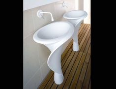 We have collected some really cool and unique bathroom sink designs for you to decorate your bathroom. Checkout 35 Unique Bathroom Sink Designs For Your Beautiful Bathroom. Unique Bathroom Sinks, Funky Bathroom, Bathroom Sink Design, Beautiful Bathrooms, Bathroom Interior, Kitchen Interior, Modern Bathroom, Small Bathroom, Bathroom Ideas