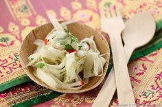 White Asparagus Salad (Goi Mang) ~Traditional Vietnamese cooking is widely known for its healthy properties and for the freshness of the ingredients.