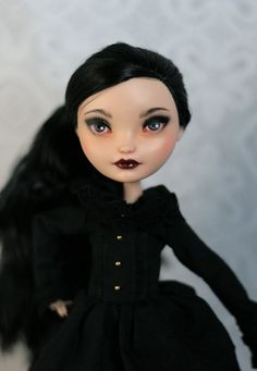 Ooak EVER AFTER HIGH Raven Queen repaint custom doll monster high