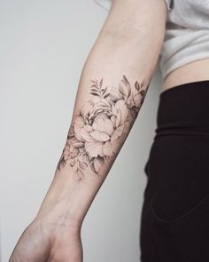 Tatoo styles, inkbox tattoo, think tattoo, cool arm tattoos, forearm tattoo Pretty Tattoos, Sexy Tattoos, Beautiful Tattoos, Body Art Tattoos, Small Tattoos, Sleeve Tattoos, Cool Tattoos, Tatoos, Forearm Flower Tattoo