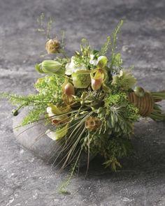 Greenhouse Effect | Green Wedding Bouquets Inspiration!!! Beautiful wedding bouquets!!! Perfect bridal bouquet for a dream wedding.   www.my-best-friends-wedding.com