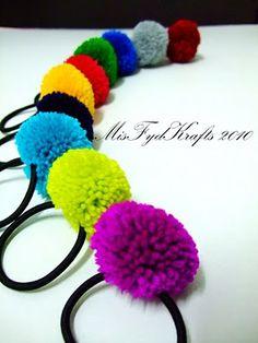 Pom pom hair tie
