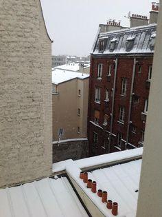 Flocons de neige- Paris in the snow by Linda K
