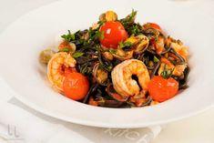 Salata Coleslaw - rețeta simplă, perfectă ca garnitură Peach Cobblers, Coleslaw, Macarons, Shrimp, Avocado, Sandwiches, Yummy Food, Pasta, Meat