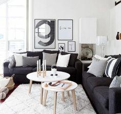 deco salon blanc, amenagement salon scandinave, canapé couleur gris anthracite, peinture blanche, tapis blanc