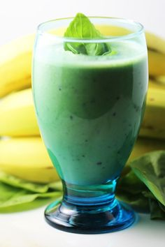 Healthy spinach banana mint smoothie basil garnish #Smoothie #Spinach Smoothie
