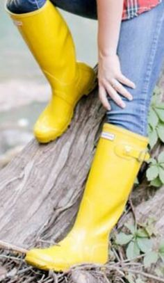 Yellow Rain Boots, Wellies Rain Boots, Hunter Wellies, Hunter Boots, Rubber Rain Boots, Nylons, Outfits, Shoes, Fashion