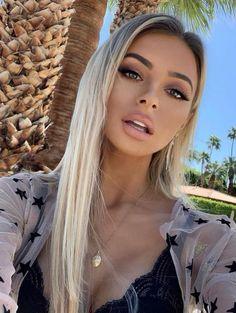 ✦⊱ɛʂɬཞɛƖƖą⊰✦ - Diy Crafts Beauté Blonde, Blonde Balayage, Blonde Makeup, Blonde Hair Brown Skin, Bleach Blonde Hair, Warm Blonde, Silver Blonde, Brunette Hair, Brunette Highlights