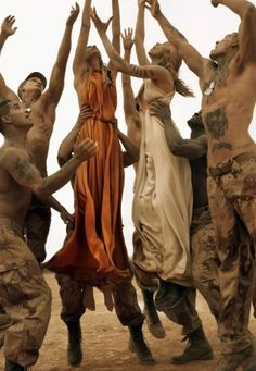 Vogue Italia Make Love Not War - Steven Meisel