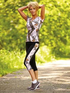 These Active Capris will have you looking good whether you're running errands or running the trail. #wildernessdreams #activewear #fitness