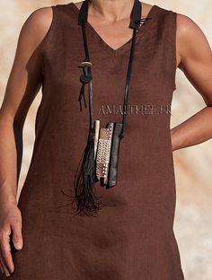 Collier tribal contemporain en bois d'ébène et chêne tatoué - AMALTHEE CREATIONS