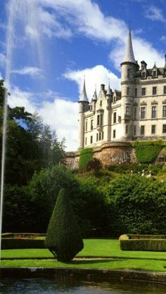 Dunrobin Castle, Sutherland, Scotland...it looks like it came right out of a fairy tale