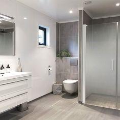 on Insta Web Viewer Bathroom Inspo, Bathroom Inspiration, Master Bathroom, Dere, View Photos, Bathtub, Interior Design, Instagram Posts, House