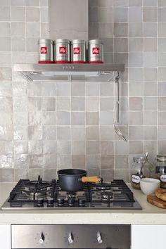 Customized concrete top   Zelliges tiles   Ikea kitchen equipment   Photo: Jan Luijk   Styling: Marit Saladini   Published: Libelle 2015