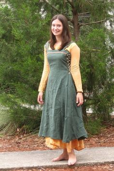 Fantasy Apron Dress  Adjustable Viking Hangerok  by TailoredTunics -non historically accurate, but awesome.