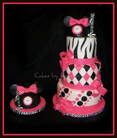 MINNIE MOUSE CAKE -- does a 2 year old get a smash cake? im sure  Zoey thinks its a good idea ;)
