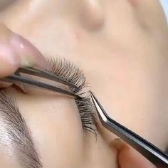 Eyelash Extensions Salons, Eyelash Salon, Eyelash Tips, Perfect Eyelashes, Fake Eyelashes, Vaseline Eyelashes, Eyelash Technician, Lash Room, Eye Makeup Designs
