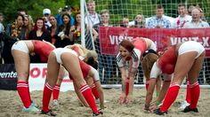 Football a 45 giri Euro 2012, Football Girls, Soccer, Wrestling, Sexy, Google Search, World, Denmark, Greek Chorus