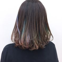 アメージングなインナーカラーです。 Hair Reference, Mom Hairstyles, Dye My Hair, Cool Hair Color, Hair Highlights, Love Hair, Ombre Hair, Her Hair, Hair Hacks