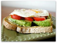 365 Days of Slow Cooking: Fried Egg Sandwich with Tomato and Avocado on Whole Wheat Toast