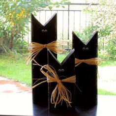 Diy fall crafts 108508672257663789 - Rustic black cats, Halloween decor, Fall decor, Recycled (set of Source by sherrybiele Fall Wood Crafts, Halloween Wood Crafts, Halloween Cat, Holidays Halloween, Holiday Crafts, Halloween Decorations, 2x4 Crafts, Thanksgiving Wood Crafts, Rustic Halloween