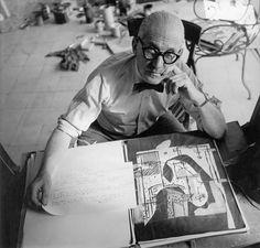 """Lo que es capaz de transmitir un arquitecto, entérate  Frases de arquitectos """"Lo que me dominó es el animal humano, el núcleo familiar, la familia, el hogar. Es darle al ser humano su cáscara"""" Le Corbusier"""