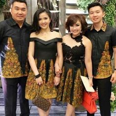 Batik elegance Batik Kebaya, Batik Dress, Batik Fashion, Skirt Fashion, Fabulous Dresses, Pretty Dresses, Batik Couple, Model Kebaya, Mega Fashion