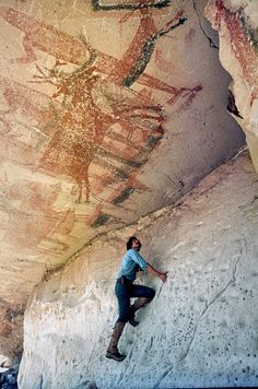 Cueva del Batequi Baja California Cave Paintings (How did these get painted? Ancient Mysteries, Ancient Ruins, Ancient Artifacts, Ancient History, Art History, Fresco, Mystery Of History, Painting Gallery, Indigenous Art