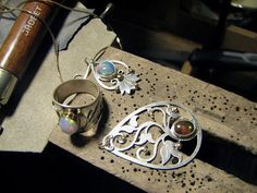 Craft Tutorials Galore at Crafter-holic!: Metal Jewelry Making For Beginners