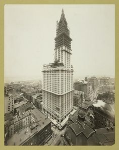 The Woolworth Building, Cass Gilbert's beauty, under construction - circa 1912 National Historic Landmark, 1966 - NY City Landmark, 1983 New York Pictures, New York Photos, Old Pictures, Old Photos, New York City Buildings, Woolworth Building, Vintage Architecture, City Architecture, Amazing Architecture