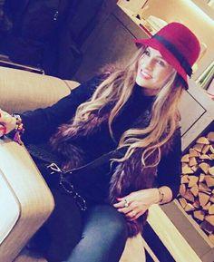 "Aura Cristina Geithner Cuesta #2016❤️   ""La felicidad depende de ti"".#atrevete #alegriadevida #hapiness +Despertar Contigo TV #NY #enjoy"