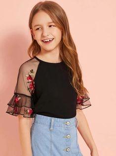 Girls Embroidered Floral Raglan Sleeve Keyhole Back Top – Kidenhouse Teenage Girl Outfits, Dresses Kids Girl, Kids Outfits Girls, Cute Girl Outfits, Girls Fashion Clothes, Tween Fashion, Cute Outfits For Kids, Teen Fashion Outfits, Cute Casual Outfits