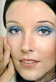 modelo-de-maquiagem-retro.jpg (325×476)