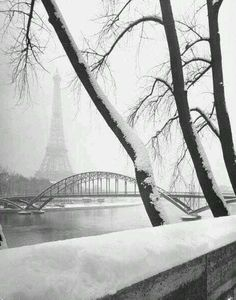 La Tour Eiffel sous la neige, Paris Walking in a Winter Wonderland! Walking in a Winter Wonderland! Beautiful World, Beautiful Places, Pont Paris, Montmartre Paris, Paris Paris, Paris Travel, China Travel, France Travel, Winter Scenes