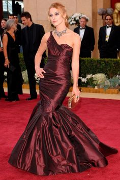Keira Knightley's 2006 Oscar dress- custom-made taffeta Vera Wang gown, featuring a classic fishtail