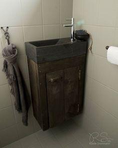 #toiletmeubel, heel erg praktisch #hardsteen #steigerhout #hoffz