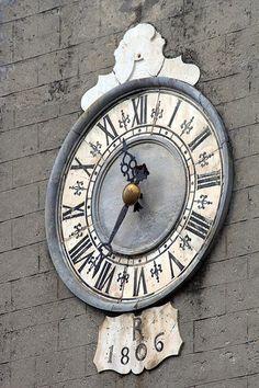 Wall clock -- Orologio della Chiesa dei Santi Jacopo e Antonio, 1806