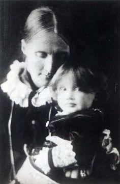 Virginia Woolf et sa mère Julia, 1884