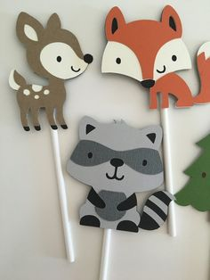 Cupcake a Woodland animaux Woodland Critters, Woodland Animals, Woodland Party, Enchanted Forest Party, Animal Cupcakes, Cupcake Toppers, Cupcake Picks, Animal Nursery, Party Signs