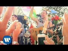 Coldplay - A Sky Full Of Stars (Official Video) Coldplay New Album, Coldplay Songs, Music Hits, Pop Music, Beautiful World Lyrics, Dream Video, Lyrics Of English Songs, Matchbox Twenty, Songs