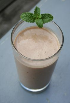 Mocha Latte Smoothie--preworkout, boost of metabolism from caffeine