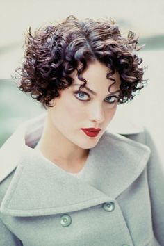 Happy birthday, Shalom Harlow! See her 7 most stylish moments in Vogue. http://www.vogue.com/5896513/shalom-harlow-best-moments-in-vogue/?mbid=social_pinterest