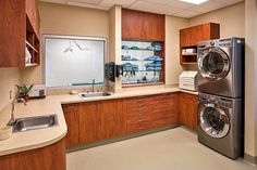 Scrub & pack alcove with surgery suite beyond | Hospital Design