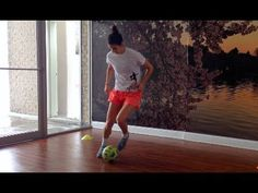 6 Basic Soccer Dribbling Footwork Patterns | YFutbol - YouTube