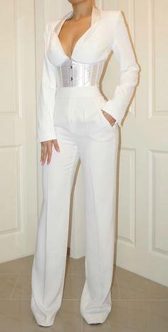 BLAZER CORSET: Designer color: white Crepe and satin mixed blazer corset Long sleeves Model wears size UK 8 / EU 36 / US 4
