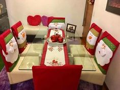 Crochet decoracion sillas 30 ideas for 2019 Christmas Projects, Christmas Time, Christmas Crafts, Merry Christmas, Christmas Ornaments, Christmas Chair Covers, Xmas Table Decorations, Diy Wedding Makeup, 242